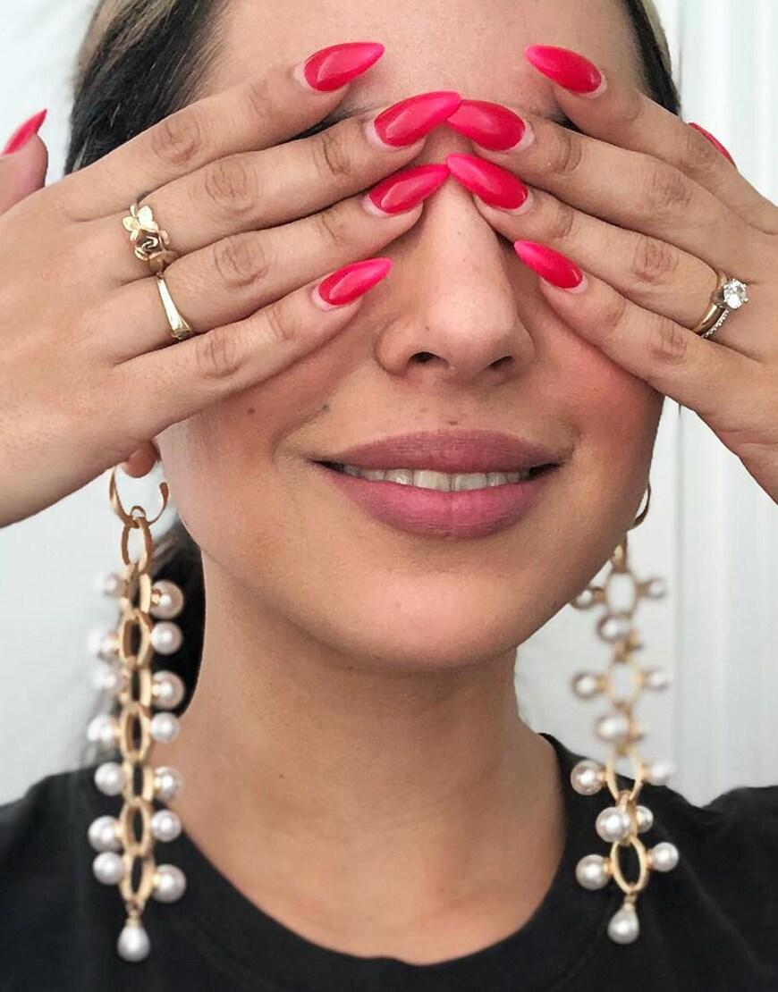 ASOS DESIGN - Boucles d'oreilles avec maillon de chaîne épuré et perles - Doré